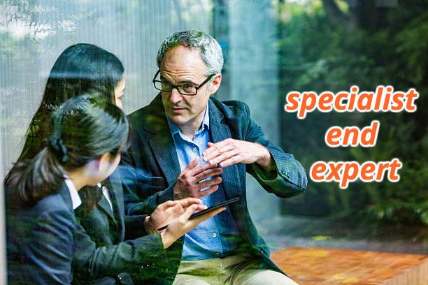 """Phân biệt """"specialist"""" và """"expert"""""""
